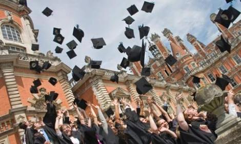 Romania: penultimul loc in UE la rata de absolvire in invatamantul superior