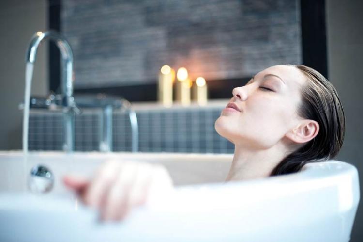 Idei de amenajare pentru o baie de dimeniuni reduse