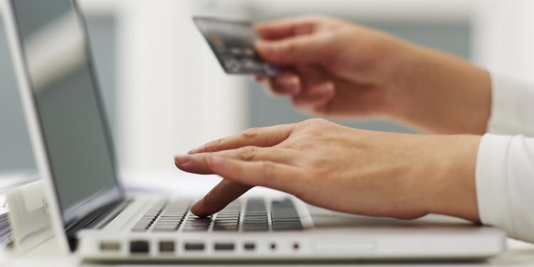 Cum sa comanzi produse online fara sa iei teapa