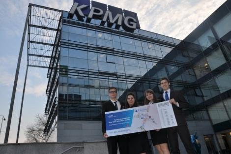 Patru studenti din Cluj reprezinta Romania in competitia globala KPMG