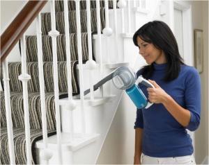 Aspiratorul de mana - o solutie pentru a curata camera de camin?