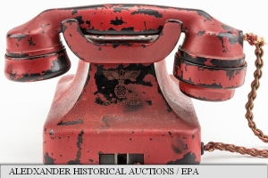 Telefon detinut de Hitler a fost cumparat cu 243,000 dolari