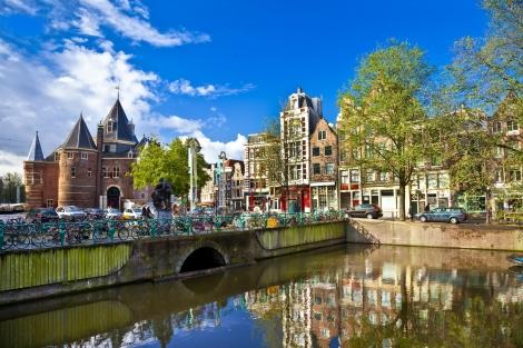 Olanda asteapta studenti romani anul acesta