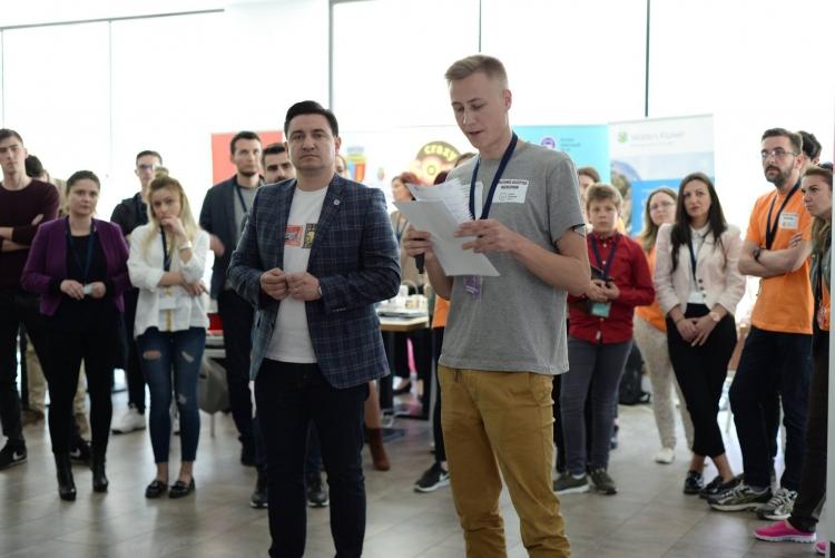 Cum a fost la a 4 a editie a Hackathon-ului Școlii Informale de IT