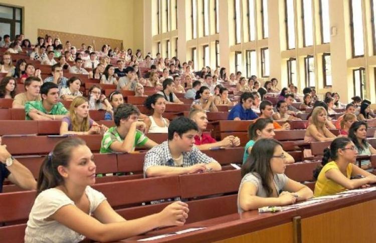 Olimpicii liceeni pot beneficia de burse daca studiaza la universitatile din Romania