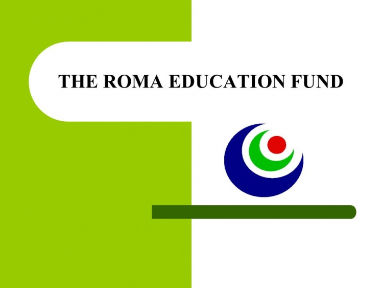 Studentii romi pot aplica pentru programul de burse Roma Education Fund