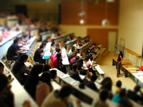 Mai multi bani pentru universitatile care ofera beneficii studentilor