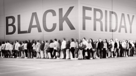 Da startul cumparaturilor de Black Friday! Vezi ce magazine si-au pregatit deja ofertele!