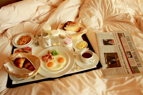 3 obiceiuri de care trebuie sa scapi dimineata pentru a nu mai fi morocanos/a toata ziua