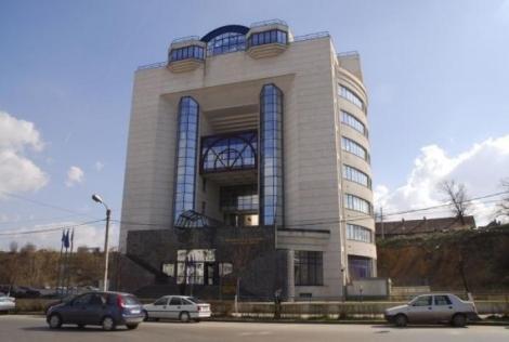 "Biblioteca Judeteana ""Octavian Goga"" isi prelungeste programul"