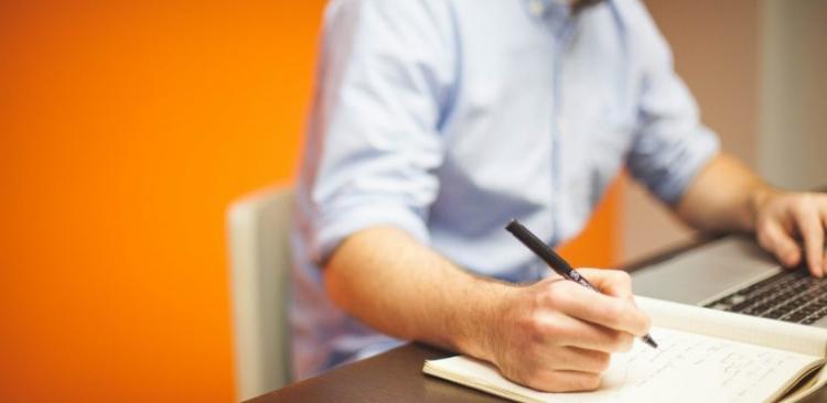 Burse de performanta si burse speciale pentru studentii ID si IFR