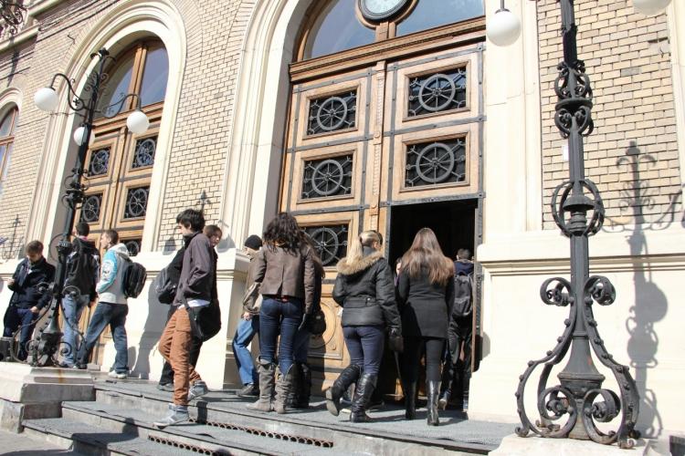 UBB scoate la concurs peste 400 locuri bugetate in sesiunea din toamna