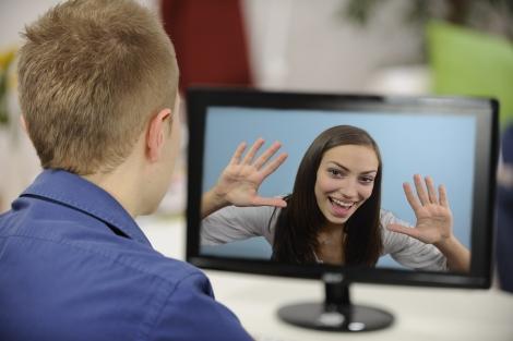 Cum sa-ti gasesti jumatatea online