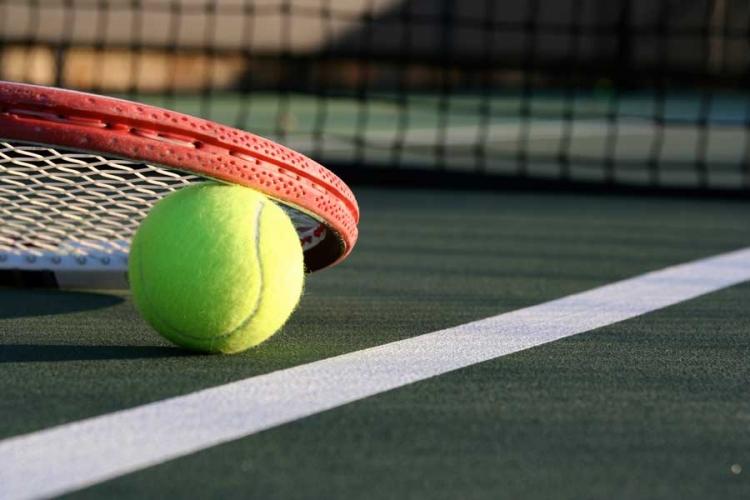 Tenis la dublu in 15 orase mari din Romania