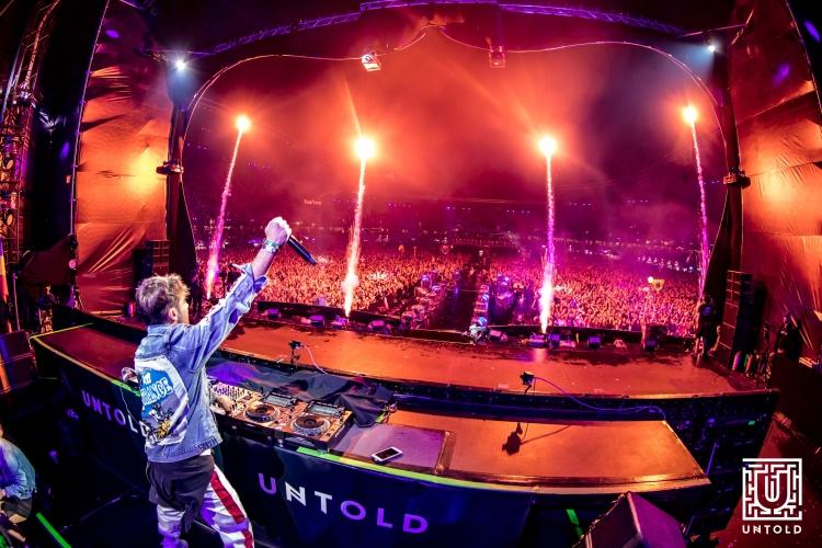 Cea de-a treia zi a festivalului UNTOLD a adus in taramul magic peste 90.000 de participanti