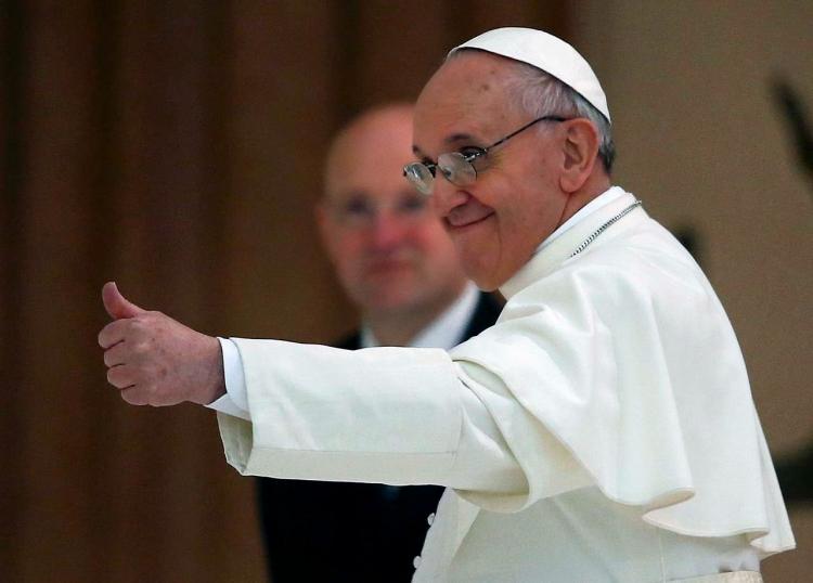 Prima carte scrisa de Papa Francisc va aparea si in Romania