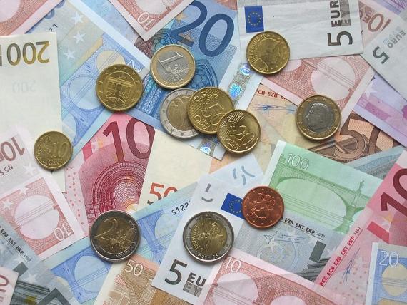 200.000 de euro pentru un proiect de evaluare a tezelor de doctorat