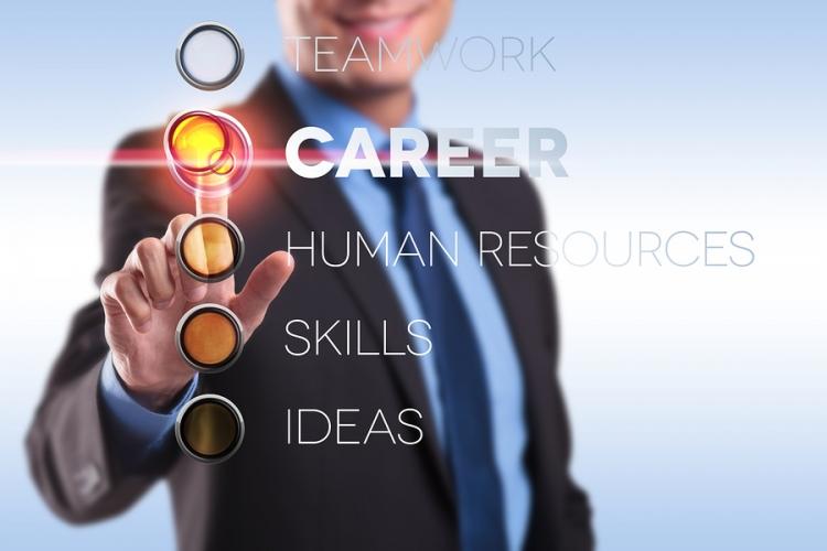Proiectul Career+ Academy vine cu beneficii: consiliere si orientare in cariera