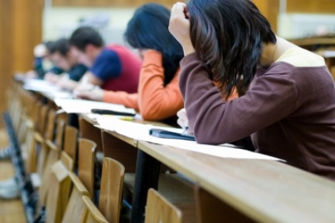 Universitatea Babes-Bolyai vrea admitere pe baza de examen