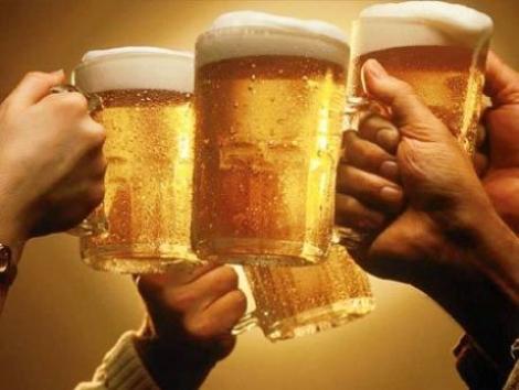 Studenti, se dau burse pentru a studia efectele consumului de bere!