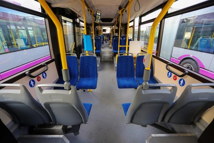 """""""Saptamana de teatru in autobuz"""" va bucura calatorii CTP pana in 22 decembrie"""