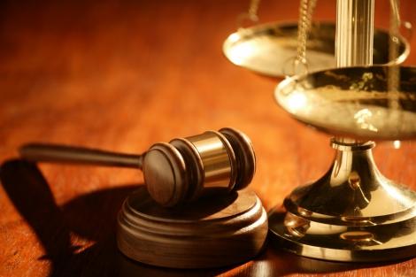"""Facultatea de Drept lanseaza seria dezbaterilor pentru """"adaptarea programelor de masterat in stiintele juridice la nevoile pietei muncii"""""""