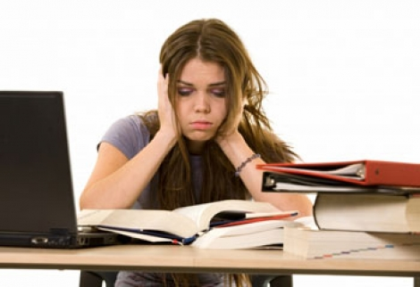 Stresul ne ajuta sa invatam in sesiune? Vezi aici ce spun cercetatorii