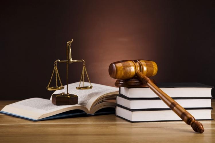 Cum poti invata mai usor pentru examenele de admitere în profesie de la Drept