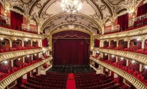 V-ati dorit vreodata sa aflati misterele din spatele cortinei Operei Nationale din Cluj?