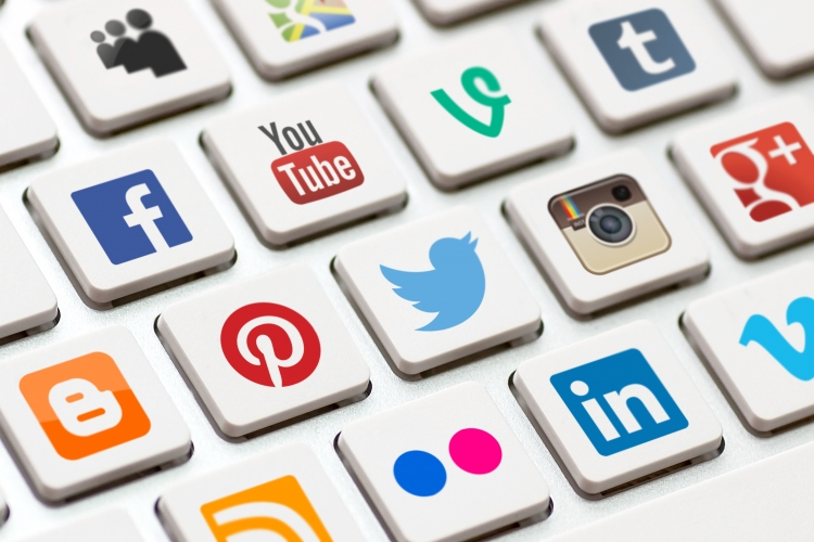 Angajarile se fac mult mai repede prin retelele sociale