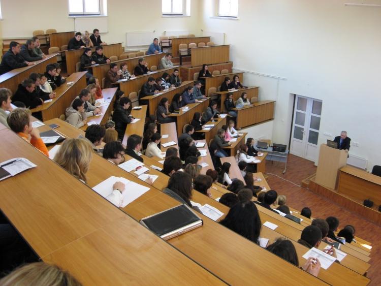 A fost lansat un nou program de burse de cercetare si formare postuniversitara si postdoctorala la UBB