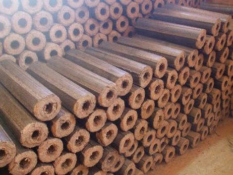 Brichete rumegus. Avantajele utilizarii combusitibililor bio din lemn.