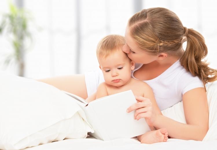 Cum ii citesti unui copil mic