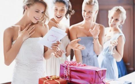 Cadouri dragute pentru prietenii tai proaspat casatoriti