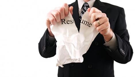 Studiu: Partile din CV care ies in evidenta recrutorilor si cum pot fi impresionati la interviu