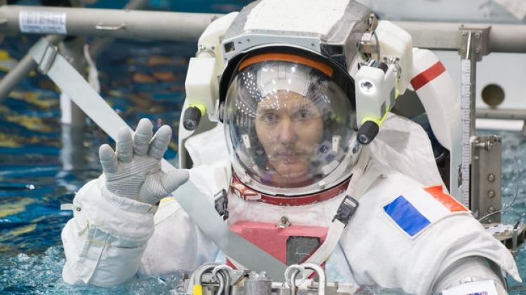 "Astronautul francez Thomas Pesquet a dat startul unui concurs literar inspirat din romanul ""Micul Print"""