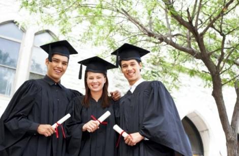 De ce e bine sa fii student in 2013?