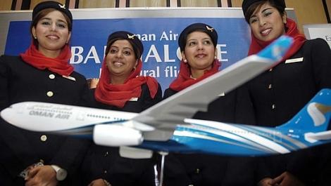 Joburi de stewardese cu salarii de 1500 de euro