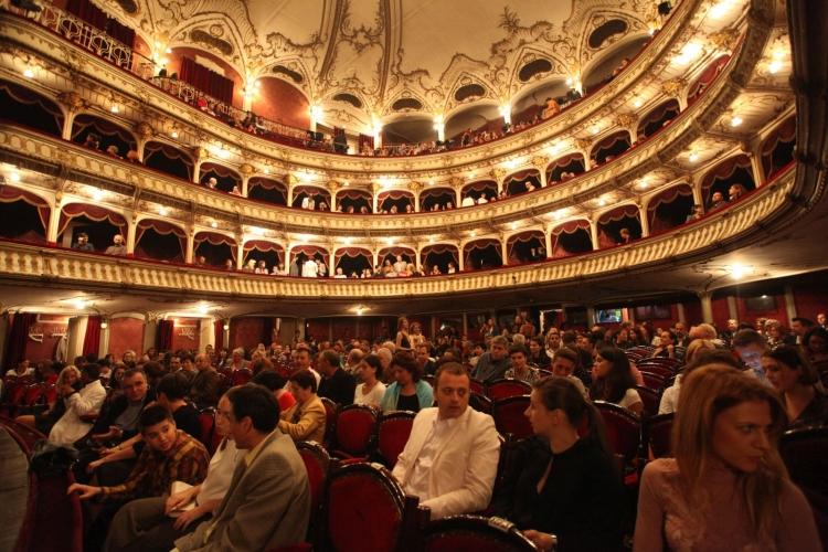 Comedy Cluj 2015 va invita la teatru