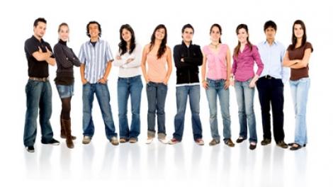 Noua strategie pentru tineri prevede voluntariat pe cartea de munca, mai mult sport si cursuri de manageri de proiect