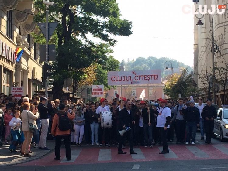 Marsul Lecturii a dat startul Festivalului International de Carte Transilvania