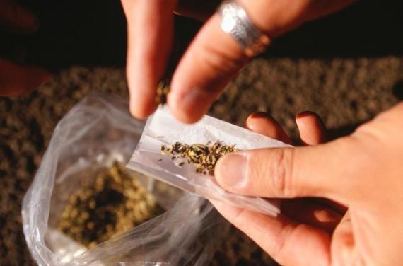 Canabisul este cel mai consumat drog in universitatile din Cluj