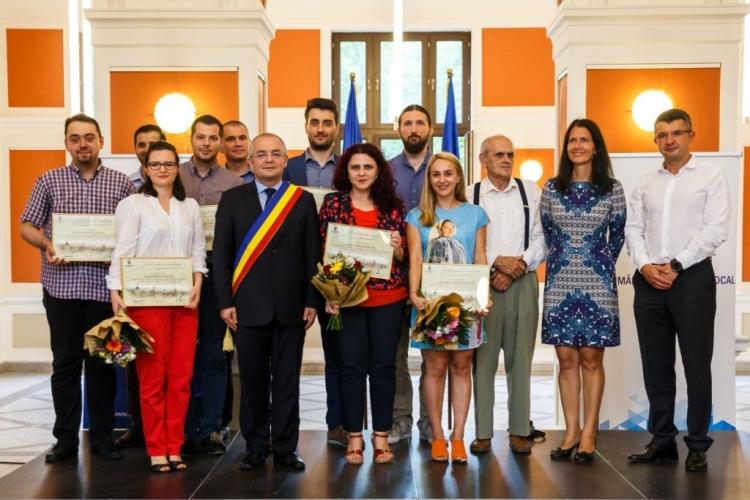 Tineri cercetatori au fost premiati de Primaria Cluj