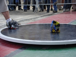 BattleLab Robotica va organiza un concurs international de sumo robotic