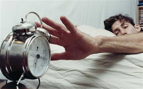 Prea mult sau prea putin somn-la fel de daunator!
