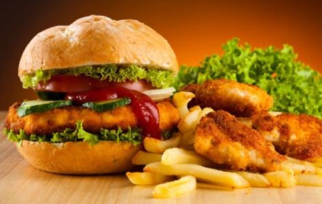 Mancarea fast food : cel mai bun prieten sau cel mai mare dusman?