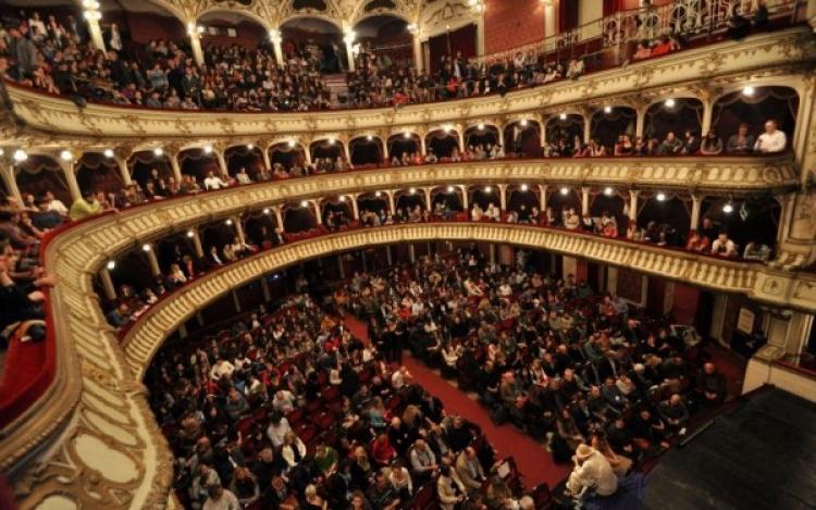 Teatrul National isi va deschide larg portile pe data de 27 martie
