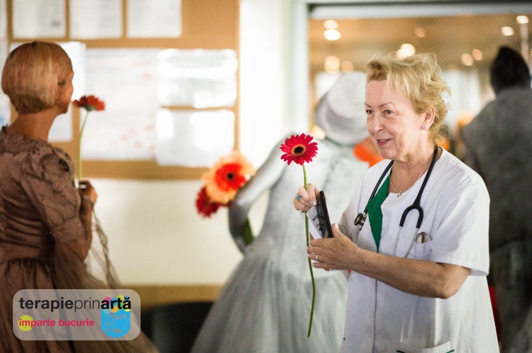 Create.Act.Enjoy imparte bucurie prin arta in 3 spitale din Cluj