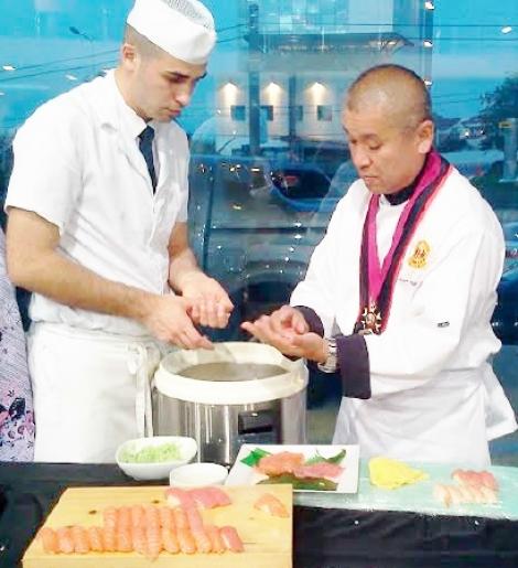 """Clujul, capitala europeana a Tineretului din 2015, participa la cea de-a doua editie """"World Sushi Cup"""", Japonia"""
