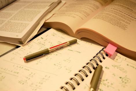 Afla cum trebuie sa inveti pentru a lua note mari la examene!!!